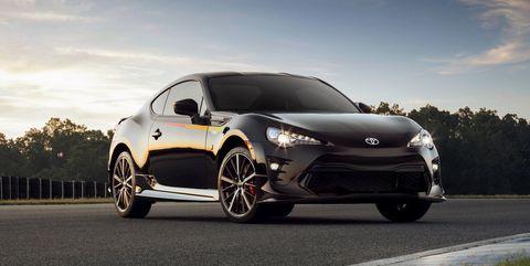 Land vehicle, Vehicle, Car, Automotive design, Coupé, Rim, Alloy wheel, Performance car, Sports car, Mid-size car,