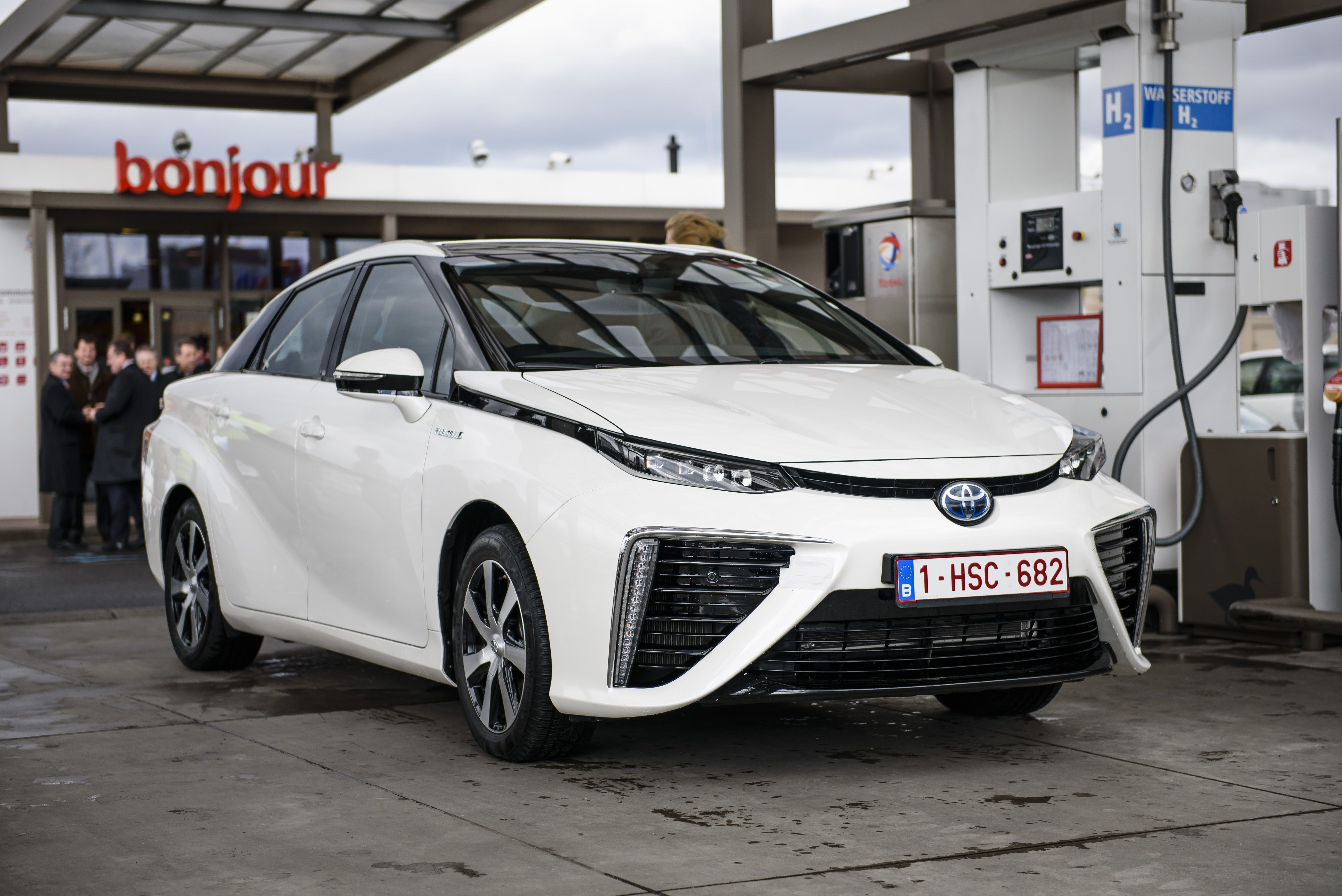 Hydrogen Cars — How Hydrogen Fuel Cell Cars Work