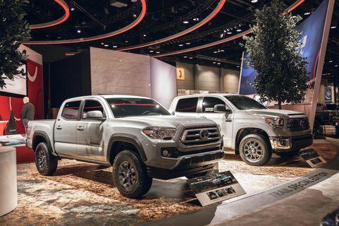 Land vehicle, Vehicle, Car, Motor vehicle, Auto show, Automotive tire, Tire, Automotive design, Pickup truck, Wheel,