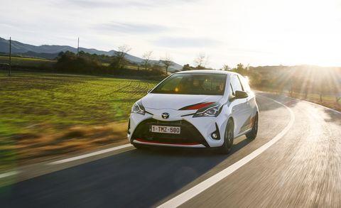 Land vehicle, Vehicle, Car, Toyota, Automotive design, Motor vehicle, Mid-size car, Automotive wheel system, Family car, Hatchback,