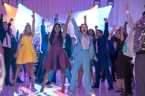 the prom l to r  nico greetham as nick, logan riley hassel as kaylee, ariana debose as alyssa greene, andrew rannells as trent oliver, jo ellen pellman as emma, sofia deler as shelby, nathaniel potvin as kevin, tracey ullman as vera, james corden as barry glickman in the prom cr melinda sue gordonnetflix © 2020