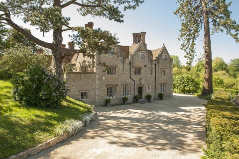 A Grade II-listed Oxfordshire home with a storied history