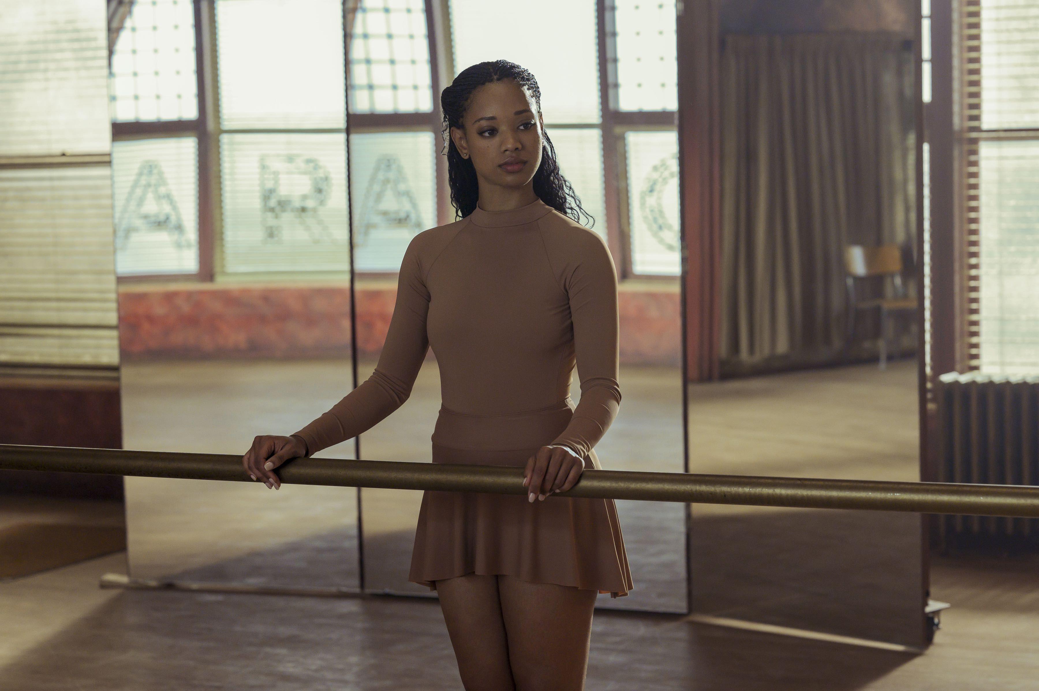 Baletná škola nie je len o tanci a krásnych šatách. Niekedy je za peknou obálkou škaredý príbeh. Seriál Tiny Pretty Things je toho dôkazom.