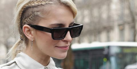 Eyewear, Sunglasses, Hair, Glasses, Street fashion, Cool, Hairstyle, Blond, Beauty, Lip,