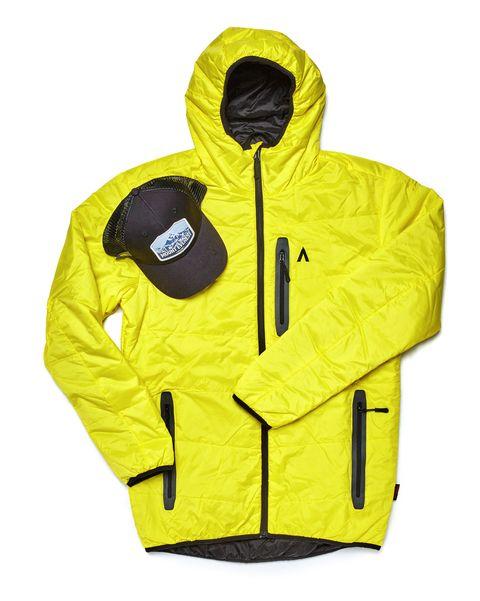 abrigo y gorra de track gear