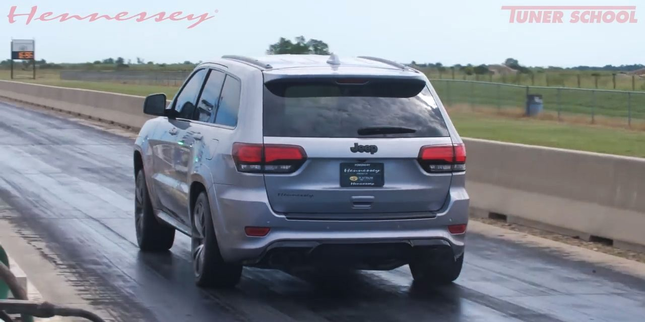 Watch a 1200-HP Jeep Grand Cherokee Trackhawk Rip a Nine