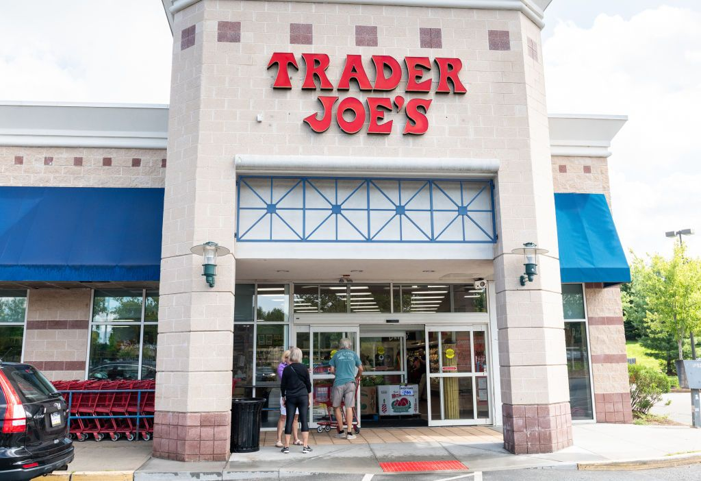 Walmart Trader Joes Whole Foods 7 Eleven Recall Salads Over