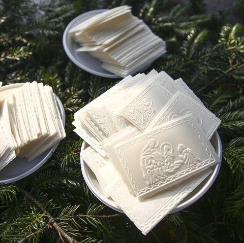 christmas oplatek in bowls