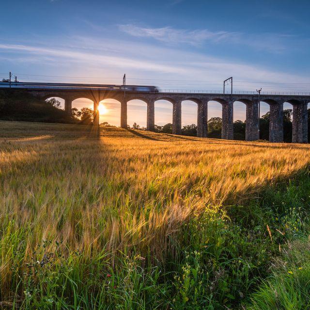 Train on River Aln Viaduct