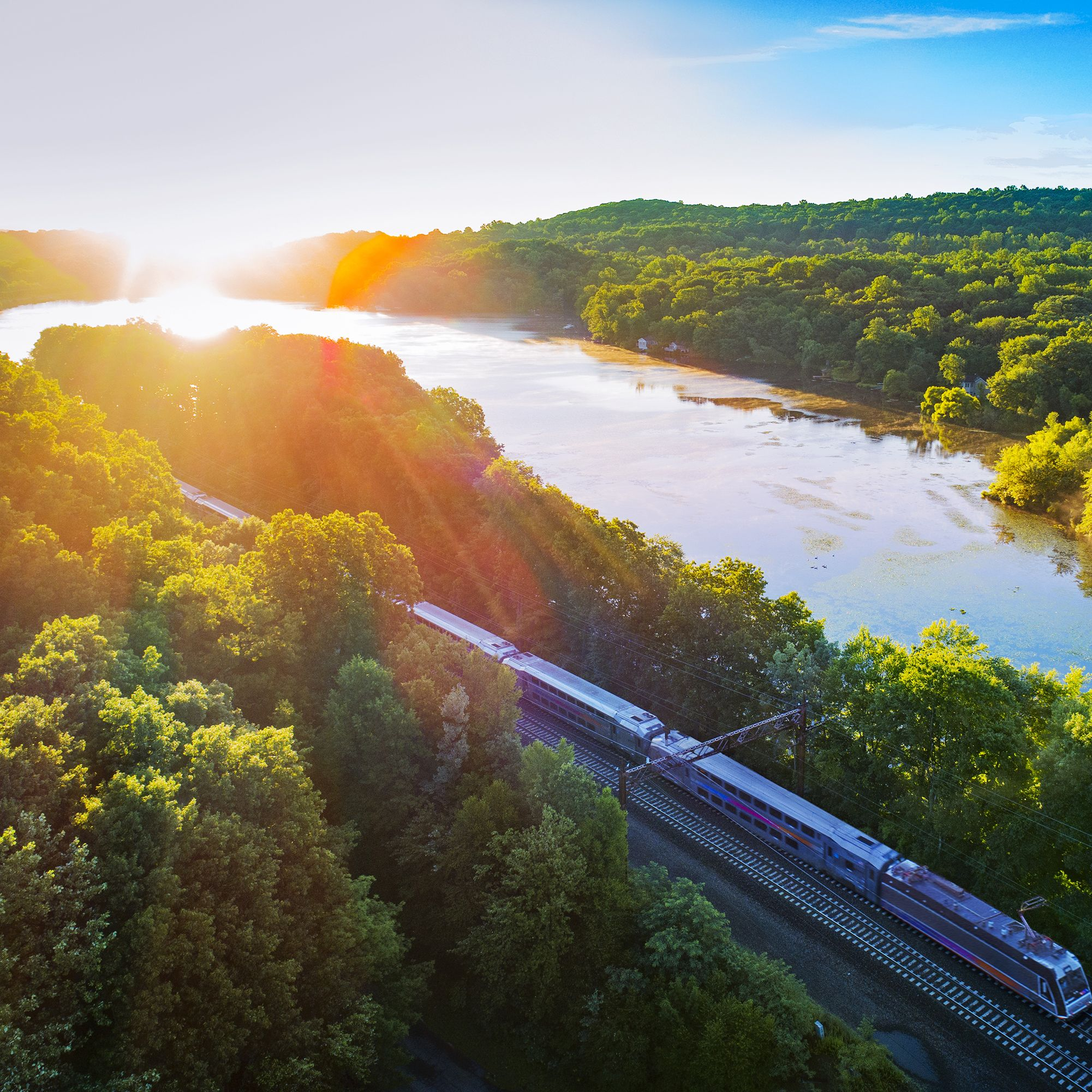 You Can Now Travel Cheaper on Amtrak When You Book Train Tickets With Friends