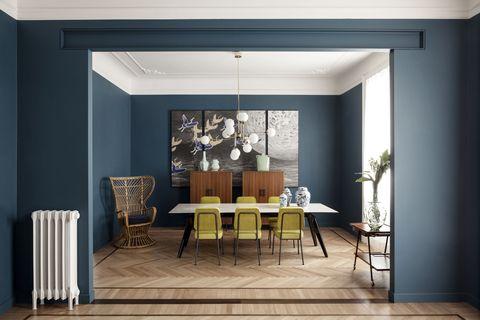 A Modern Milan Apartment Flaunting Vintage Furniture