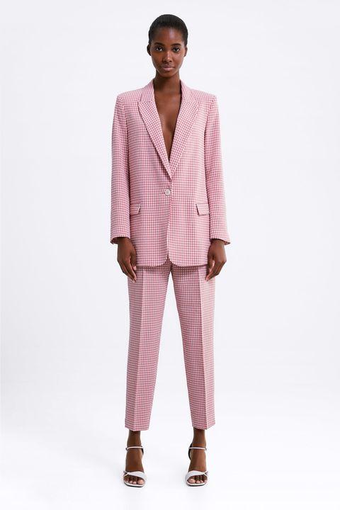 8672ca64 Este traje rosa de cuadros vichy de Zara recibe cientos de 'likes ...