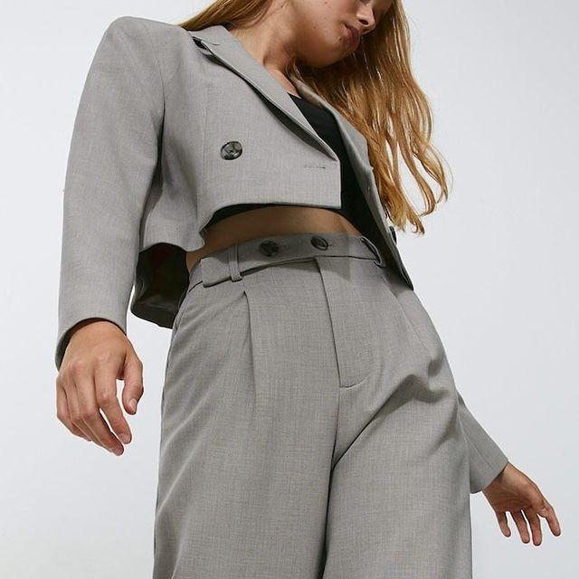 el traje de chaqueta crop de stradivarius