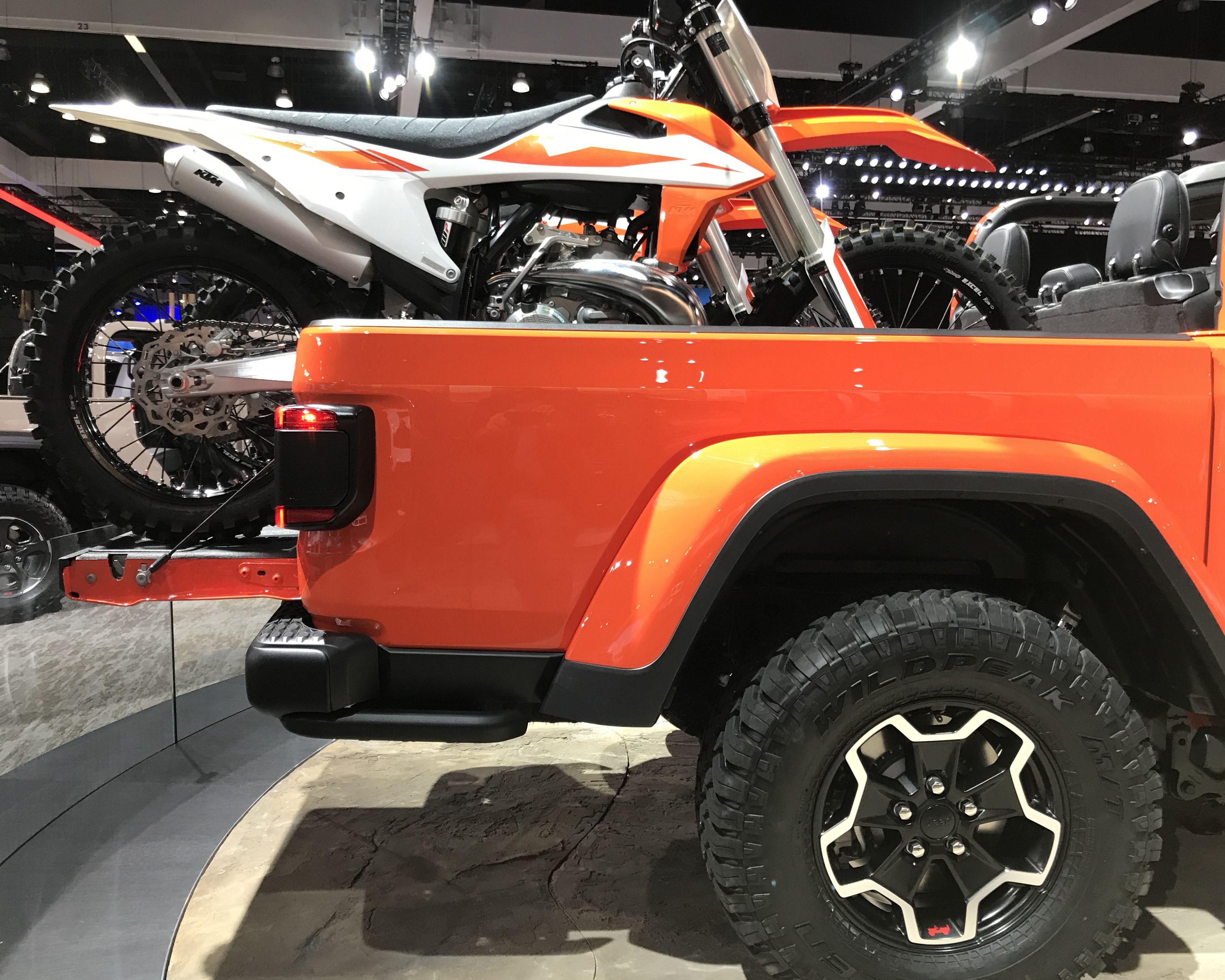 Jeep Gladiator Design Easter Eggs Jeep Wrangler Pickup Tribute To