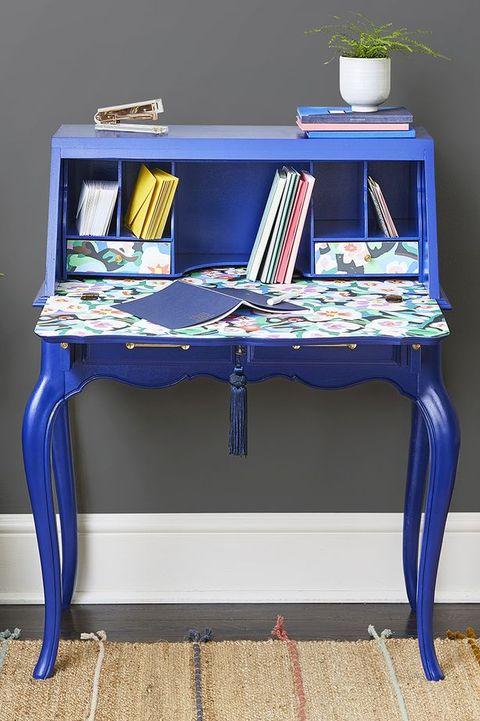 trash to treasure ideas - statement desk