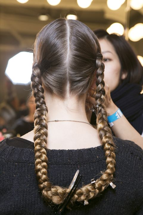 Brown, Hairstyle, Lighting, Earrings, Style, Braid, Fashion accessory, Hair accessory, Black hair, Long hair,