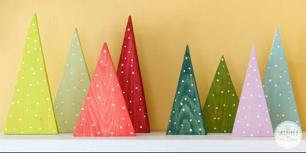 15 Ways To Turn An Old Pallet Into A Christmas Tree