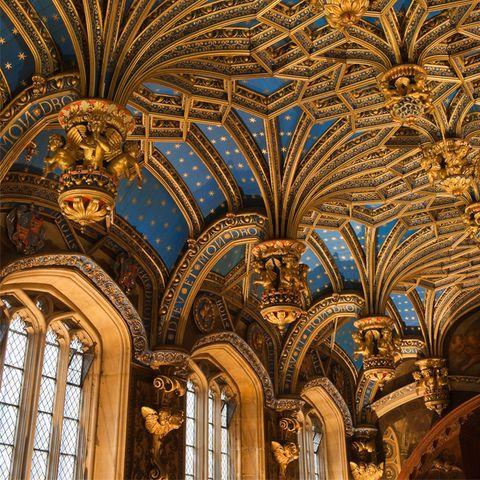 Architecture, Ceiling, Art, Fixture, Vault, Byzantine architecture, Medieval architecture, Classical architecture, Visual arts, Arcade,
