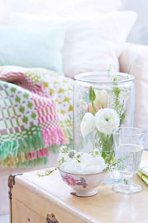 Pink, Furniture, Room, Flower, Table, Textile, Plant, Pillow, Interior design, Bedding,