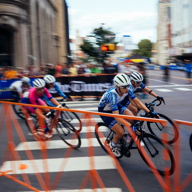female cyclists compete at electric city cycling classic in scanton, pa in 2019