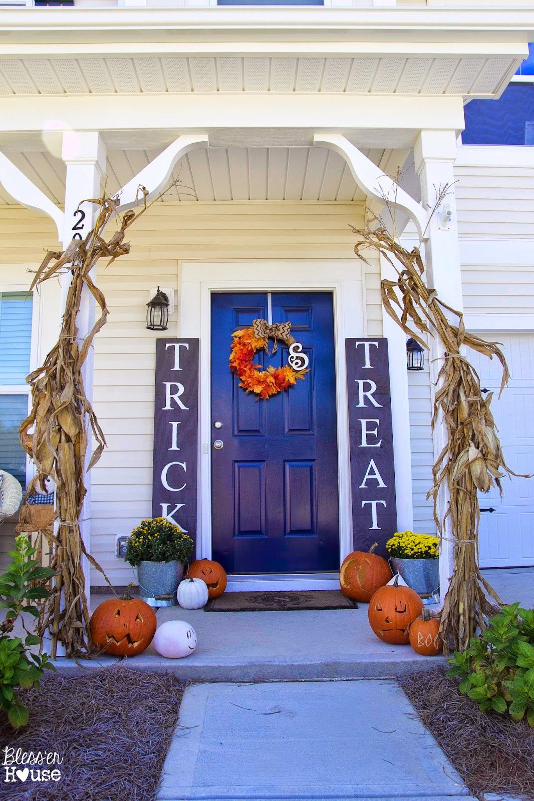 59 Best Outdoor Halloween Decorations Cheap Halloween Yard