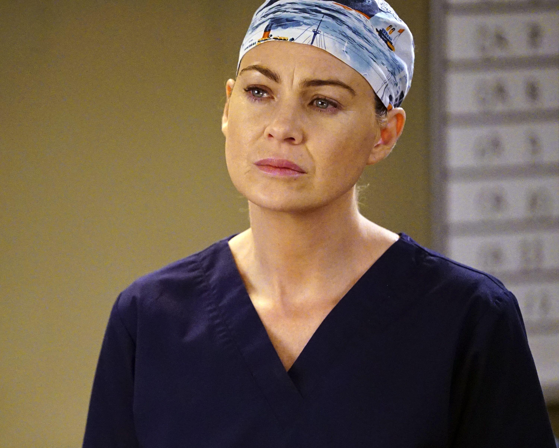 39782aa3df9  Grey s Anatomy  Viewers Are Heartbroken Over the Scrub Cap Meredith Wore  Last Night