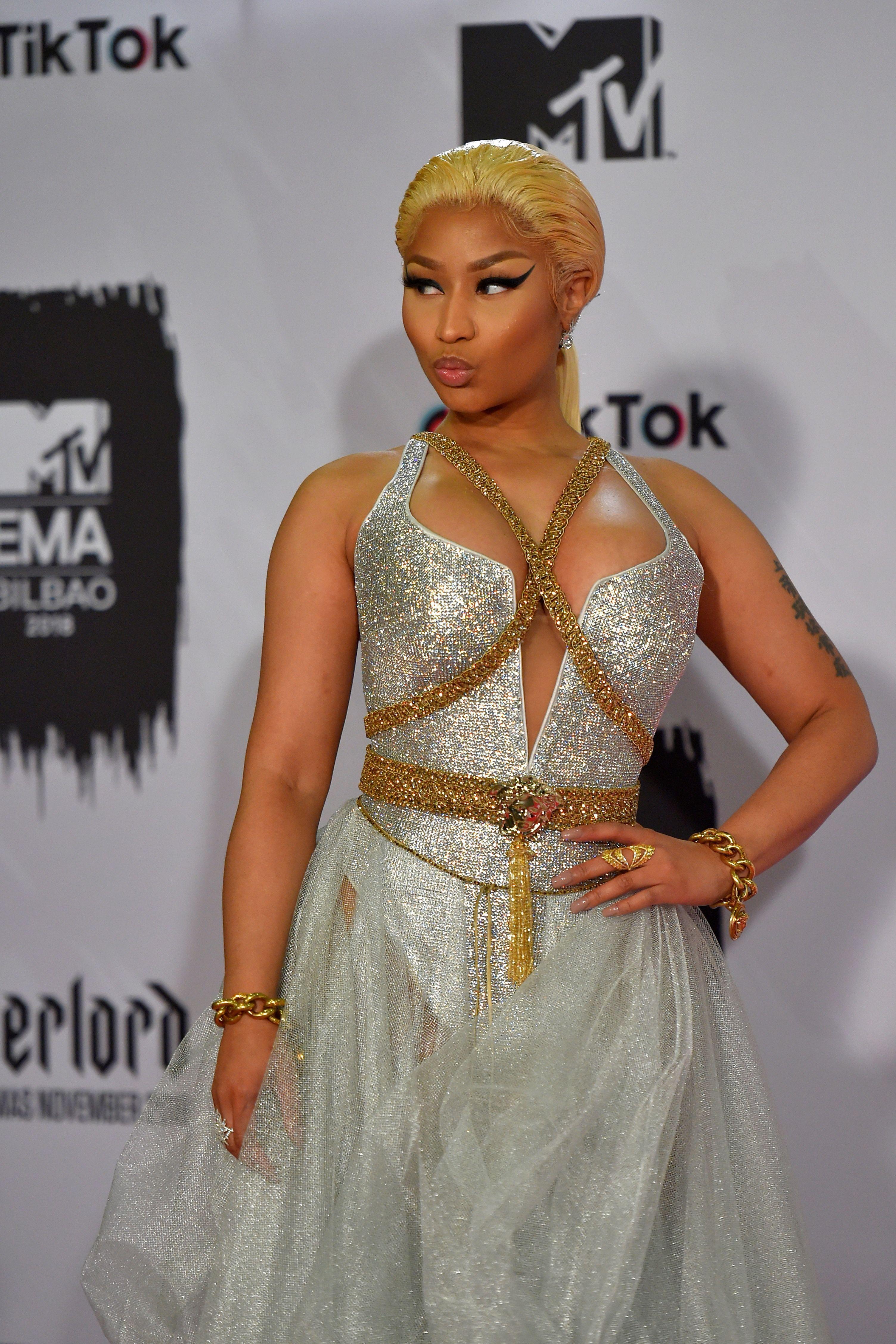 Twitter's pretty sure Nicki Minaj forgot her lyrics at the People's Choice Awards