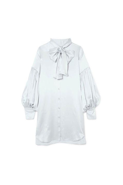 White, Clothing, Sleeve, Outerwear, Blouse, Shirt, Top, Collar, T-shirt, Neck,