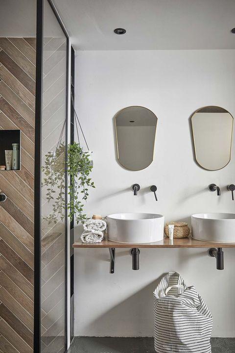 tríplex moderno baño moderno con dos lavabos