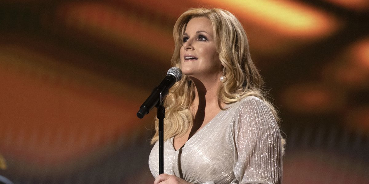 """Trisha Yearwood's """"I'll Carry You Home"""" Video Gives a Rare Glimpse Into Her Childhood"""