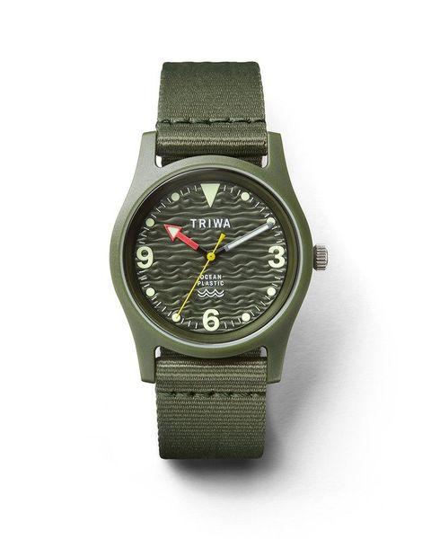 reloj en color verde militar con correa de naylon reciclado