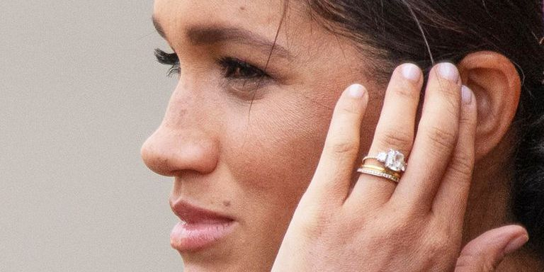 see meghan markle s newly redesigned engagement ring in photos redesigned engagement ring