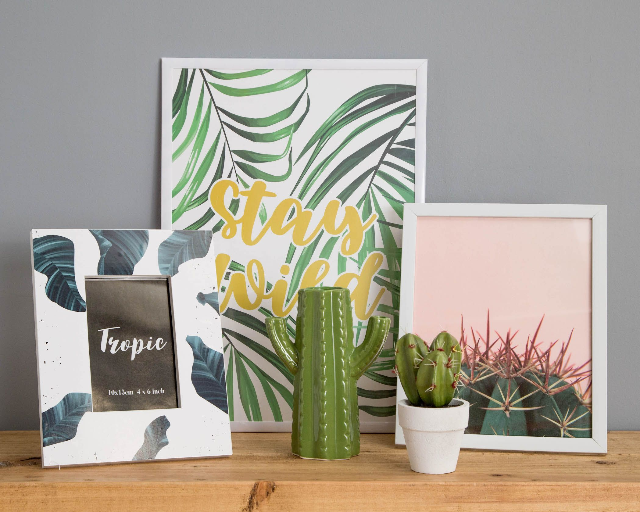 Transform a wall with Poundland's art prints and frames for just £1