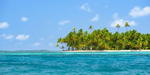 Body of water, Sea, Sky, Ocean, Tropics, Caribbean, Coastal and oceanic landforms, Turquoise, Daytime, Vacation,
