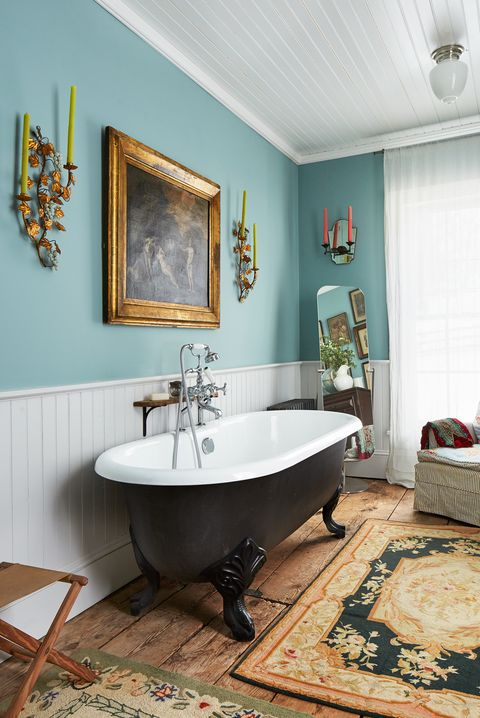 Bathroom, Room, Interior design, Property, Tile, Floor, Wall, Bathtub, Furniture, House,