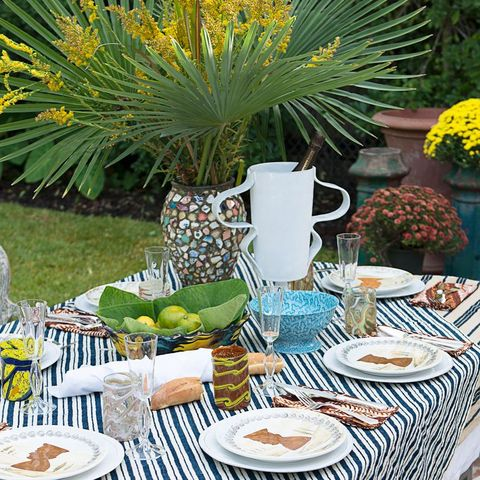 tropical tablescape outdoor dining
