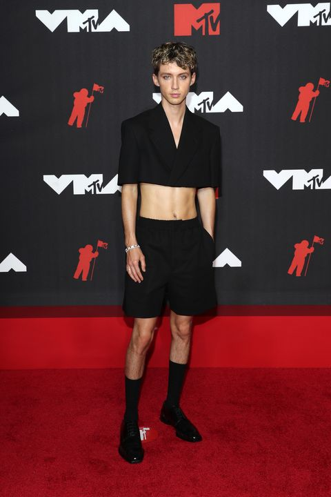 2021 mtv video music awards alfombra roja troye sivan