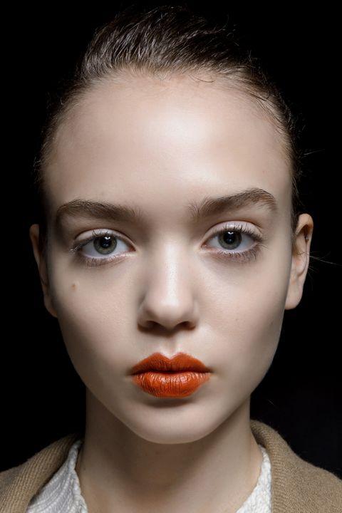 trucco labbra rossetto rosso inverno 2020 2021
