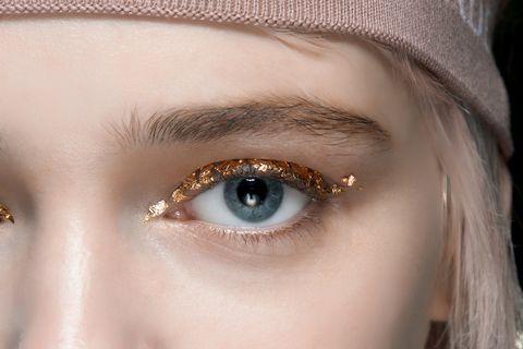 trucco occhi glitter capodanno 2021