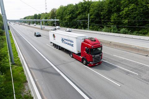 Transport, Motor vehicle, Mode of transport, Vehicle, Road, Highway, Truck, Asphalt, trailer truck, Freeway,