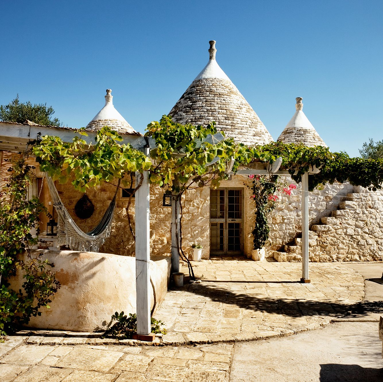 Trullo airbnb in Italy