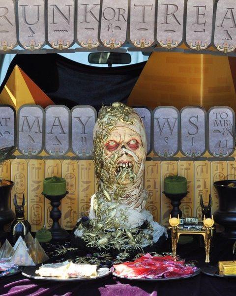 trunk or treat ideas egyptian tomb