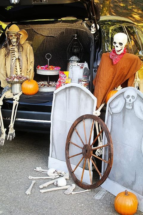 trunk or treat ideas ghost town