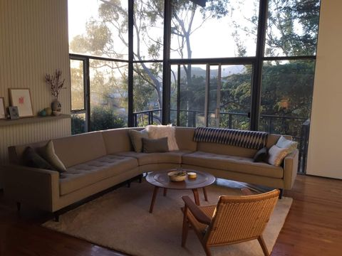Trustedhousesitters Mid Century Los Angeles Home Pet Sitting Two Cats