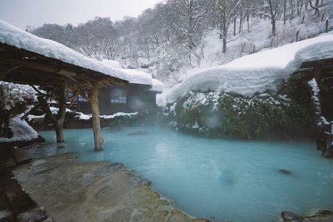 鶴の湯 雪見風呂