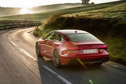 Land vehicle, Vehicle, Car, Automotive design, Performance car, Executive car, Mode of transport, Audi, Personal luxury car, Sky,