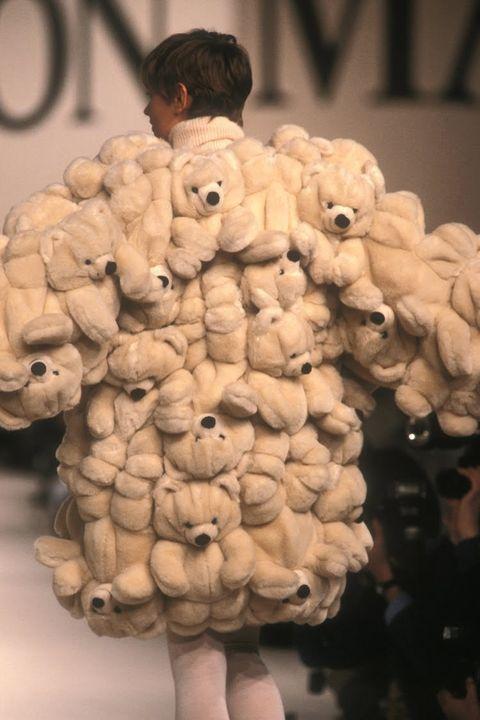 Head, Organ, Stuffed toy, Teddy bear, Organism, Smile, Toy, Plush, Plant, Sweetness,
