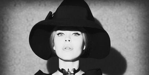 Hat, Collar, Style, Fashion accessory, Headgear, Monochrome, Costume accessory, Black, Monochrome photography, Black-and-white,