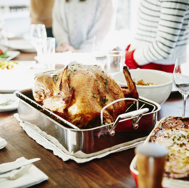 8 ways to keep calm when hosting christmas dinner