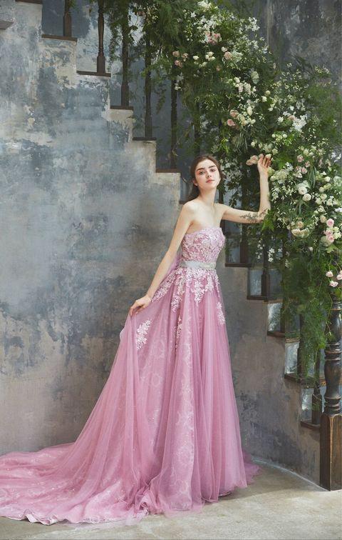 「ブライダルハウス tutu」ピンクのチュール素材のシルバービーディングドレス
